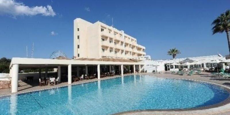 Pierre Anne Beach Hotel